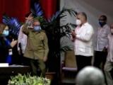كاسترو يسلم قيادة الحزب الشيوعي الكوبي للجيل الشاب