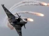 غارات عنيفة تستهدف مواقع عسكرية بسنحان جنوبي صنعاء