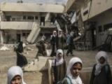 """معلمو اليمن بين البؤس والحرب """" تقرير"""""""